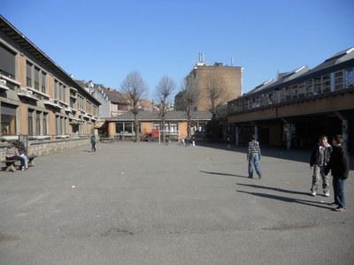 School 9 en 11b - speelplaats - voor reno
